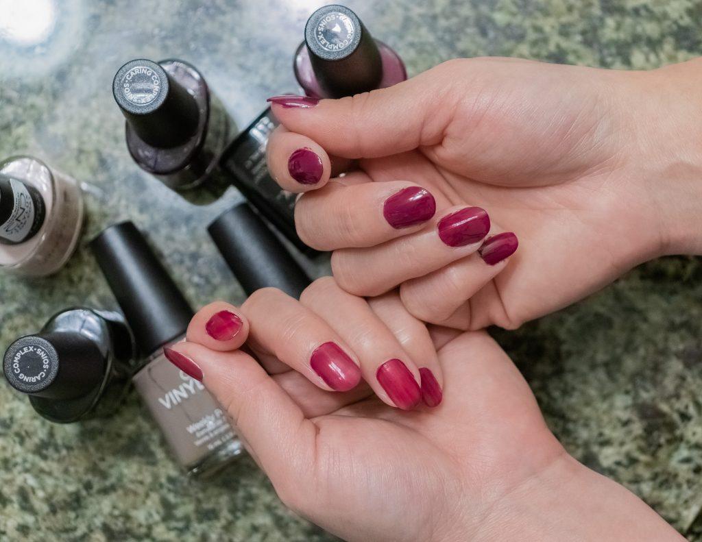 Layer Comparison CND VINYLUX Long Wear Nail Polish Review